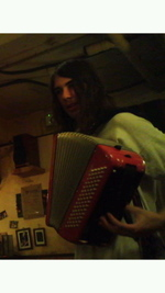Jesse_with_my_accordion_3
